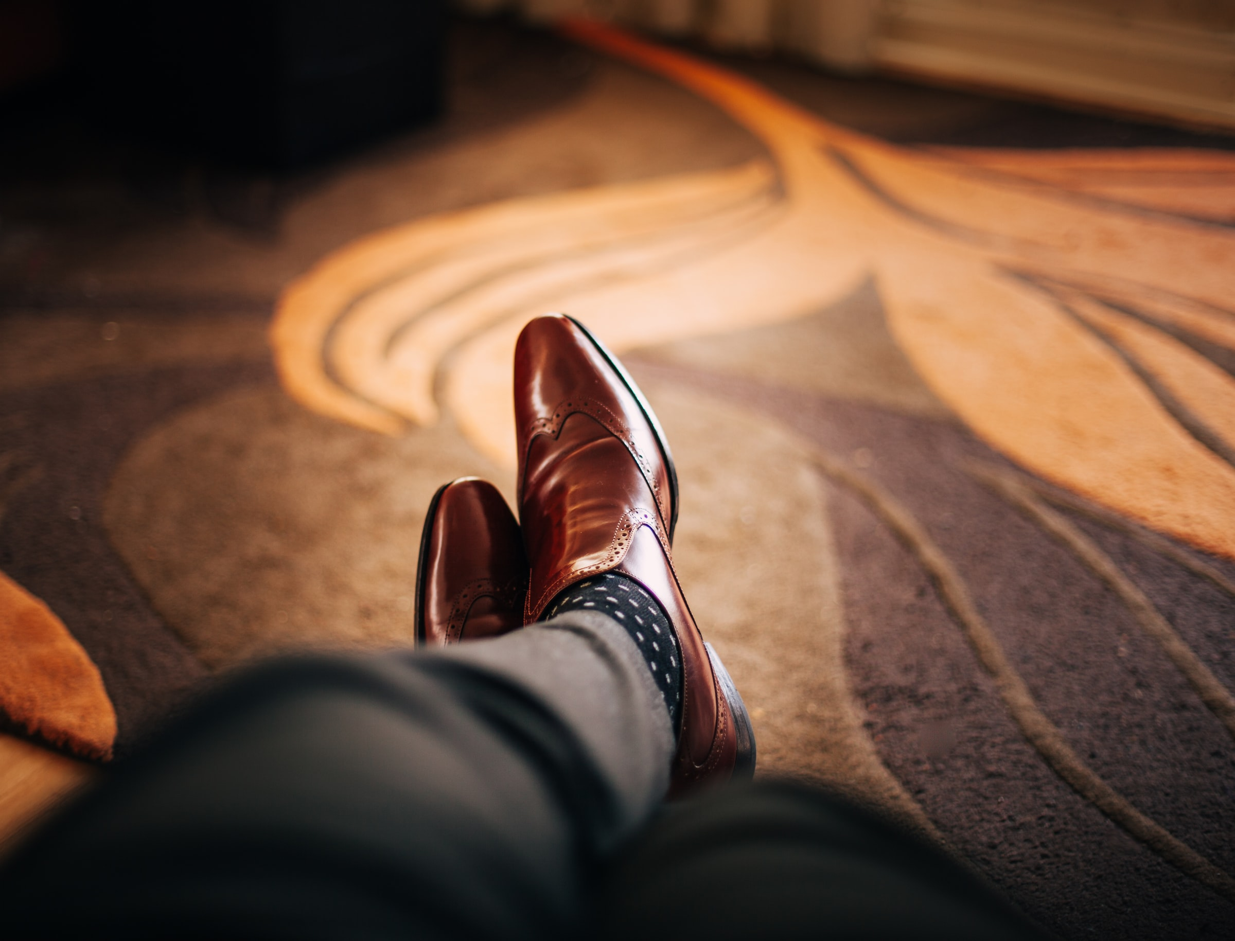 Gaze Smart with Men's Shoes